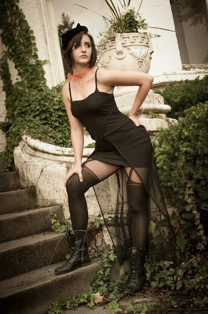 Model - Caitlin